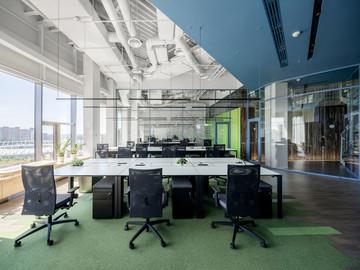 Biuro Grammarly  - od mebli i wyposażenia po zaawansowane technologicznie miejsce pracy